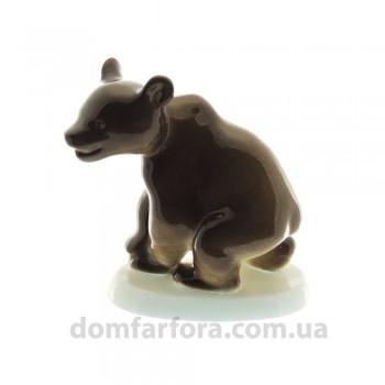 Скульптура Медвежонок присевший