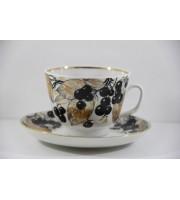 Чашка с блюдцем форма Подарочная рисунок Черноплодная  рябина