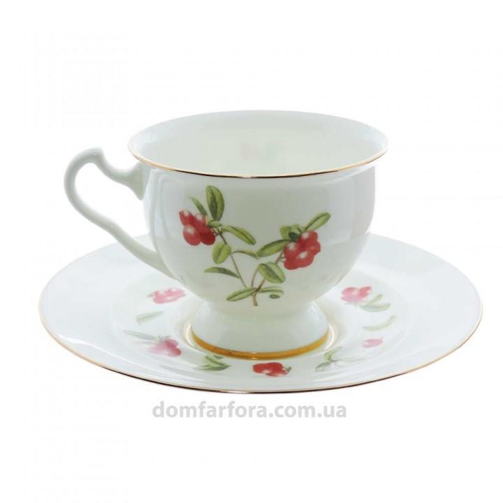 Чашка с блюдцем форма Айседора рисунок Брусника