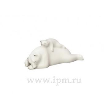 Скульптура Медведица с медвежонком